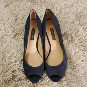 Beautiful navy suede Pilar Abril heels size 6.5
